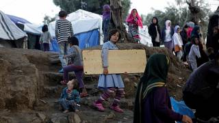 Grécia refaz os três maiores campos de refugiados