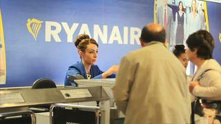 Un tribunal en Madrid declara ilegal la tarifa de 20 euros de Ryanair sobre el equipaje de mano