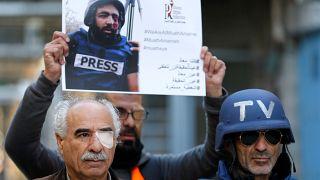 الأردن يصدر جواز سفر لمصور فلسطيني أصيب بطلق إسرائيلي في عينه لنقله للعلاج في المملكة