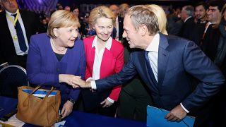 انتخاب دونالد توسك رئيسا جديدا لليمين الأوروبي