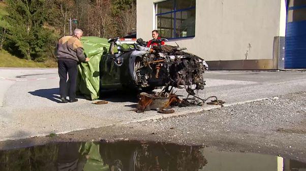 Gefährliche Lithium-Ionen-Batterien: Was tun mit Tesla-Wrack?