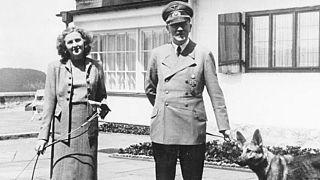 Adolf Hitler ve eşi Eva Braun