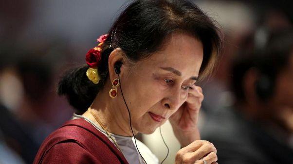 Aung San Suu Kyi difende il Myanmar dalle accuse di genocidio contro i rohingya