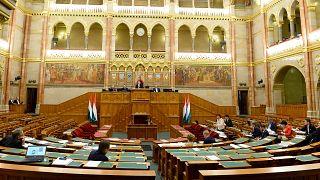 Vita a  házszabály és az országgyűlési törvény módosításáról csütörtök reggel