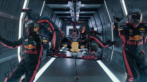 شاهد: فريق ريد بول للفورمولا 1 يحطم رقمه القياسي في محيط فضائي