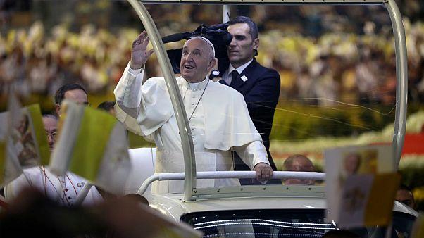 Papa Francis Tayland'da konuştu: Kadın ve çocukların 'seks işçisi' olarak kullanılması durdurulmalı