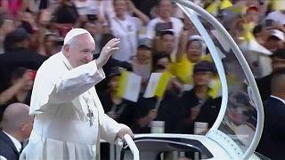 Папа римский осудил торговлю людьми