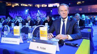Tusk: összetett és kényes probléma a Fidesz számomra