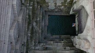 Bámulatos sziklaugrás Indiában