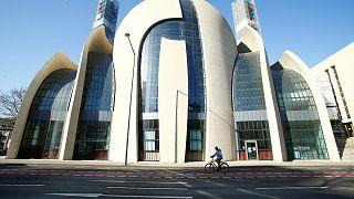 Almanya'nın Köln kentinde bir cami