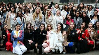 شاهد: المتنافسات على مسابقة ملكة جمال الكون يصلن إلى لندن