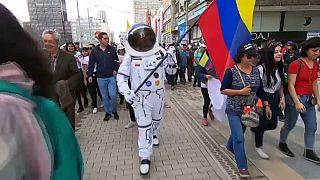 La protesta esplode a Bogotà, almeno tre morti e centinaia di feriti