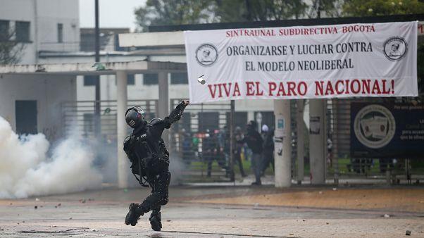 Los disturbios empañan el final del paro nacional en Colombia