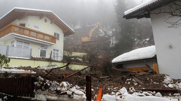Befedte a hó Stájerországot és Karintiát, sok helyen még mindig nincs áram