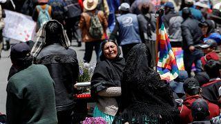 Bolivya'da sivillerin cenazelerinin taşındığı adalet yürüyüşüne polis müdahalesi