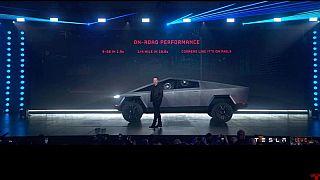 Tesla'nın bilim kurgu filminden esinlendiği Cybertruck adlı yeni aracı