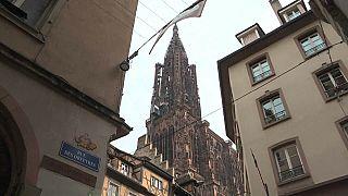 Mercado de Natal de volta a Estrasburgo um ano depois de atentado
