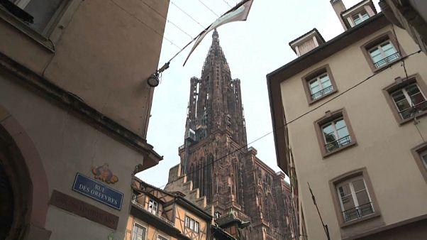 Strasbourg: a tavalyi merénylet után újból megnyílt a karácsonyi vásár