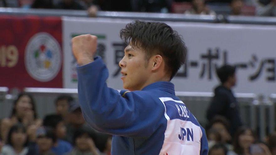Japanische Judoka in Osaka obenauf