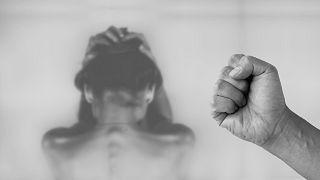 """بعد كورونا.. العنف ضد النساء """"وباء"""" آخر يجتاح أمريكا اللاتينية"""