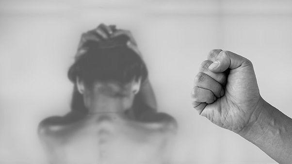 """""""Сама виновата"""": домашнее насилие в России – """"преувеличенная"""" проблема?   #КУБ"""