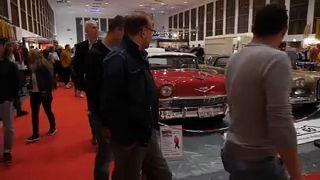 Carros clássicos em exibição em Berlim