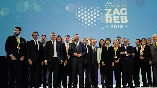 Csoportkép az EPP zágrábi tisztújító konferenciájáról 2019 november 21-én