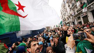 Nueve meses de protestas contra los militares y las élites en Argelia