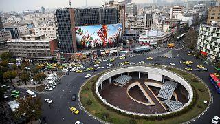 شكلت ساحة ولي عصر في طهران مكاناً لتجمع المحتجين خلال المظاهرات الأخيرة التي شهدتها الجمهورية الإسلامية