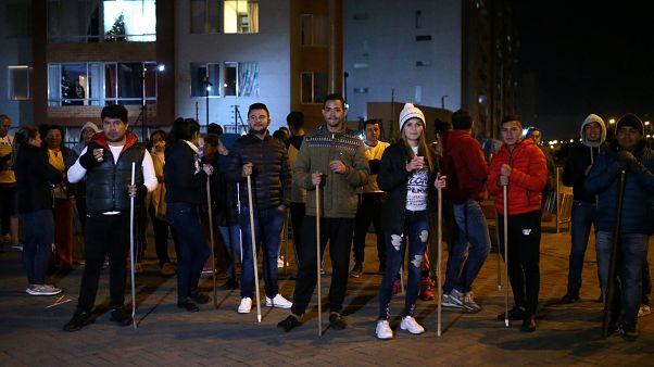Patrullas ciudadanas en la primera noche del toque de queda en Bogotá