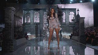 İzlenme oranları düştü Victoria's Secret TV defilesini iptal etti