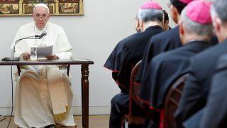 شاهد: البابا فرنسيس يصل إلى اليابان ويشدد على إزالة الأسلحة النووية