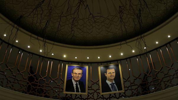 Suriye Devlet Başkanı Beşar Esad ve babası Hafız Esad