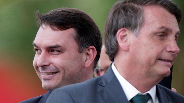 Flavio Bolsonaro ve Brezilya Devlet Başkanı Jair Bolsonaro