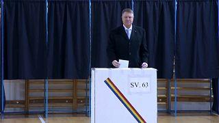 يوهانيس المؤيد لأوروبا الأوفر حظاً في الانتخابات الرئاسية في رومانيا