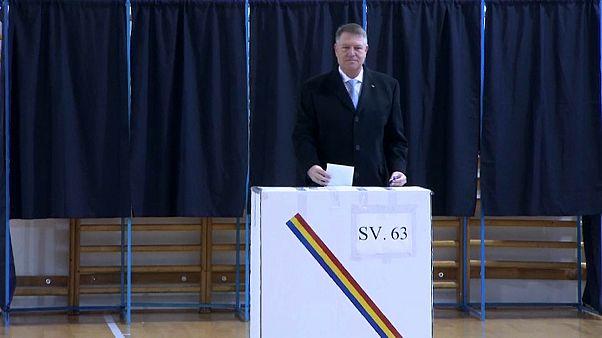 Iohannis parte como favorito en la segunda vuelta de las presidenciales rumanas