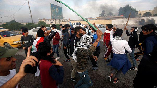 Irak'ta hükümet karşıtı gösterilerde en az 9 kişi hayatını kaybederken 150'den fazla kişi yaralandı