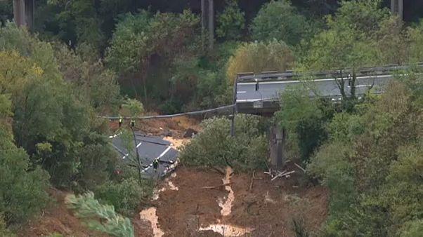 Wetter spielt verrückt: 4 Tote und eine eingestürzte Autobahnbrücke