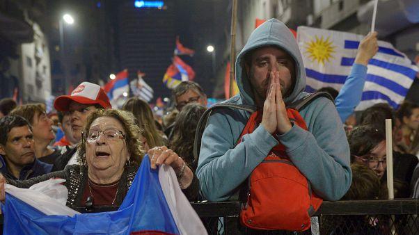 Luis Lacalle Pou se dirige a sus seguidores tras las elecciones