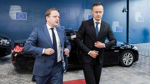 Szijjártó és kollégái hétfőn döntenek az Európai Bizottságról
