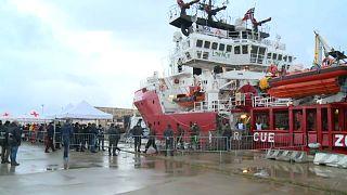Open Arms e Aita Mari in rotta verso Taranto e Pozzallo, l'Italia apre i porti