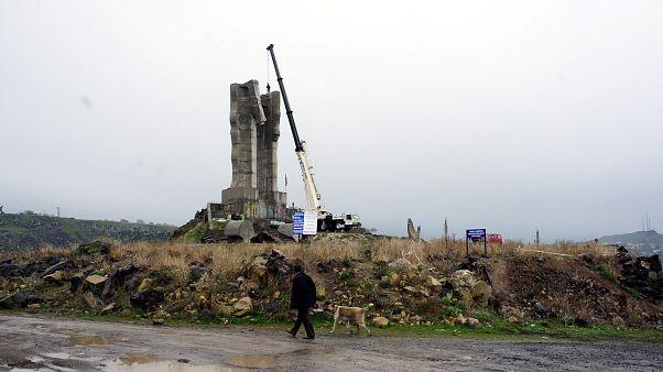 Kars'ta İnsanlık Anıtı 'ucube' nitelemesinin ardından kaldırılmıştı