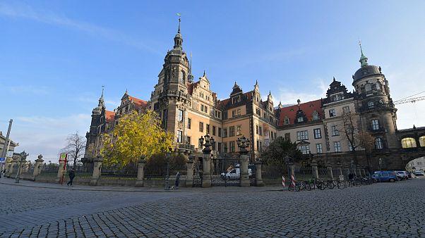 جواهراتی به ارزش بیش از یک میلیارد یورو از موزهای در آلمان به سرقت رفت
