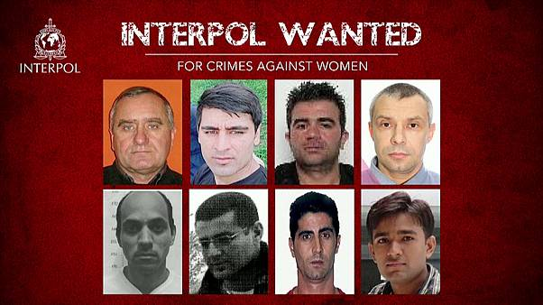 Насилие над женщинами: Интерпол разыскивает россиян