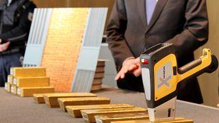 Avusturya polisi, soruşturma açtığı aşırı sağcı partinin Alpler'de gizlediği külçe altınları buldu