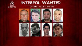 Interpol procura oito homens por crimes contra as mulheres
