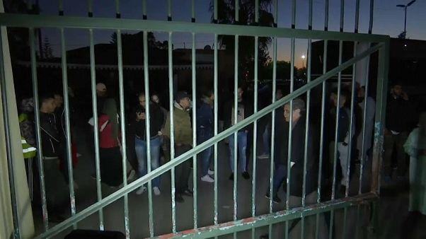 """الحكم على مغني الراب المغربي سيمو كناوي  بالسجن سنة بتهمة """"إهانة الشرطة"""""""