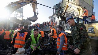 Halálos földrengés Albániában