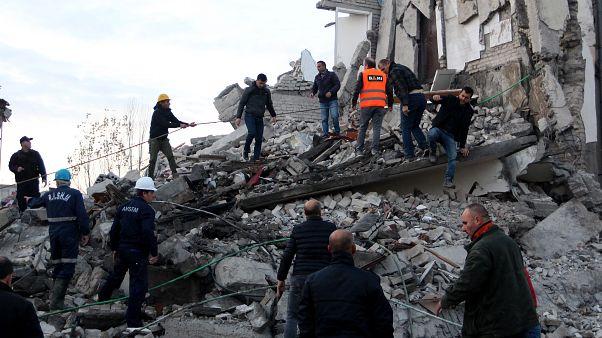Sismo de 6,4 graus na Albânia faz pelo menos 16 mortos (em atualização)