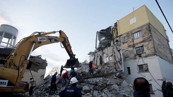 Arnavutluk'ta 6.4 büyüklüğünde deprem
